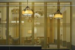 典雅的天花板照明设备 免版税库存图片
