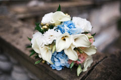 典雅的婚礼花束 库存图片