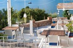 典雅的海滩咖啡馆克罗地亚 免版税库存照片