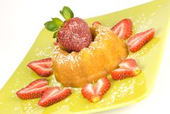 典雅的脆饼草莓 免版税库存照片