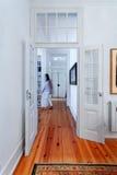 典雅的葡萄酒房子内部走廊 库存照片