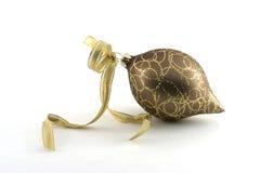典雅的金装饰品 免版税库存图片