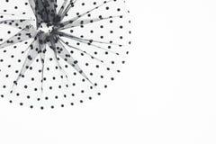 典雅的黑与黑圈子的纺织品圆的构成 缝合的概念 薄纱在白色背景的织品材料 免版税库存图片