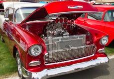 经典雪佛兰旧车改装的高速马力汽车汽车 图库摄影