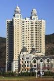 经典apartement大厦在Dlaian,中国 免版税库存图片