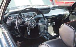 经典Ford Mustang内部 库存图片