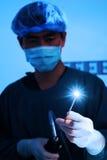 兽医腹腔镜外科的医生运转中室(被射击的艺术照明设备) 免版税库存图片