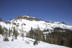 内华达山脉雪范围 免版税库存照片