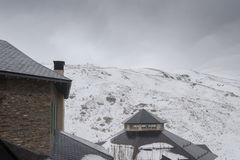 内华达山西班牙滑雪胜地 免版税库存图片