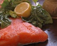 内圆角新鲜的三文鱼 免版税库存照片