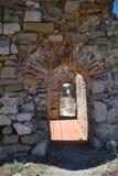 内在墙壁设防走廊, Methoni城堡 免版税库存照片