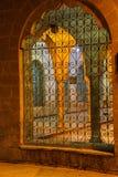 内在庭院格栅和曲拱  库存图片