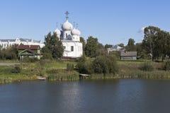 内在庭院Belozersky克里姆林宫 变貌大教堂在Belozersk镇  库存图片