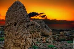 从内姆鲁特火山山的日落, Komagene王国, Adıyaman,土耳其 免版税图库摄影