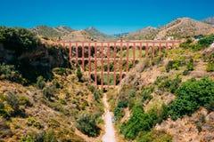 内尔哈,马拉加,西班牙 普恩特台尔Aguila或老鹰桥梁 老渡槽 免版税库存图片