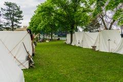 内战在行排队的时代帐篷 免版税库存照片