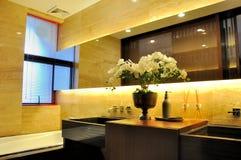 内景照明装饰洗手间 免版税库存图片