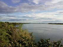 内河港有人们寻找的所有视域和秀丽 免版税库存照片