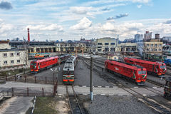 内燃机车在铁路的活动集中处 免版税库存图片