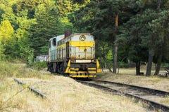 内燃机车的正面图在铁路的 库存图片