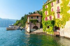 内索镇在科莫湖,意大利 库存照片