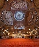 内部伊斯坦布尔清真寺sultanahmet 免版税库存照片