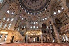 内部低角度射击了Eyup苏丹清真寺,伊斯坦布尔,土耳其 图库摄影