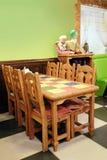 内部儿童的咖啡馆 库存图片