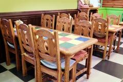 内部儿童的咖啡馆 免版税库存照片