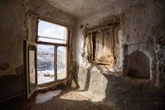 内部其中一个石头房子在famouse Kandovan村庄 库存照片