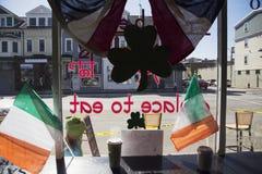 内部咖啡馆,圣帕特里克的天游行, 2014年,南波士顿,马萨诸塞,美国 免版税库存照片