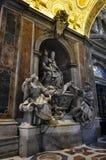 内部圣皮特圣徒・彼得` s大教堂,罗马意大利 免版税图库摄影