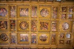 内部在Palazzo Vecchio老宫殿佛罗伦萨,托斯卡纳,意大利 免版税库存照片