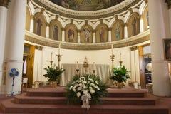 内部天主教会圣伦纳德 图库摄影