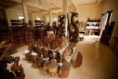 内部工作室木雕家 库存照片