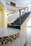内部新的楼梯 免版税库存照片