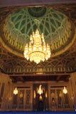 内部清真寺麝香葡萄阿曼qaboos苏丹 免版税库存图片