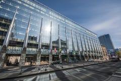 内部的办公室,现代建筑 免版税图库摄影