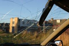 内部被打碎的视图挡风玻璃 库存照片