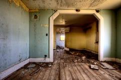内部被放弃的房子大草原 免版税库存照片