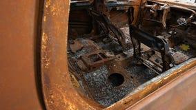 内部被烧的汽车 影视素材
