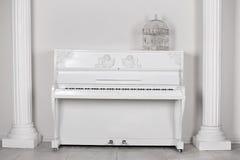 内部钢琴 免版税图库摄影