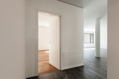 内部,有一门的走廊 库存照片