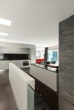 内部,美丽的现代apartmen 图库摄影