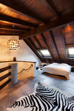 内部,美丽的顶楼 免版税图库摄影