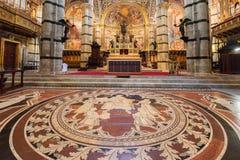 内部o锡耶纳大教堂中央寺院二锡耶纳,中世纪教会,它 免版税库存照片