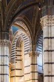 内部o锡耶纳大教堂中央寺院二锡耶纳,中世纪教会,它 库存照片