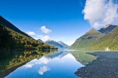 冈恩海岛湖新的南西兰 免版税图库摄影