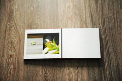 册页开张了照片 库存照片