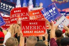 再做美国伟大竞选集会标志 库存照片